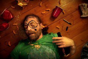 Hangover có nghĩa là gì? Dùng trong hoàn cảnh nào?