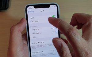 Cách chia sẻ mật khẩu Wi-Fi mà không cần trải qua bước nhập mật khẩu trên iPhone