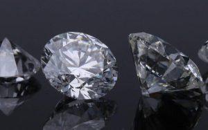 Thử nghiệm mới nhất của các nhà khoa học tiết lộ, kim cương lục giác cứng hơn kim cương tự nhiên